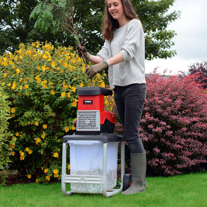 Electric + Petrol Garden Chippers + Shredders